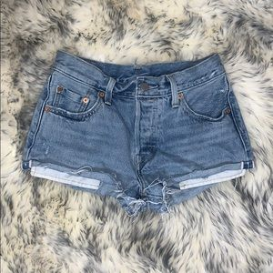 Levi's Button Fly Denim Shorts Size 25